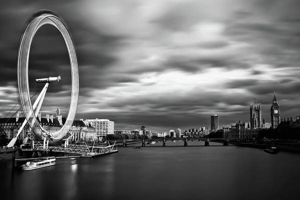 London Eye Photograph - Movement by Arthit Somsakul