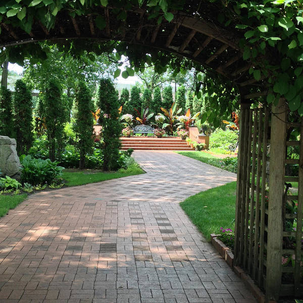 Munsinger Garden Art Print