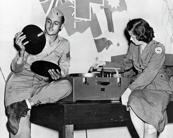 Photograph - Music At Red Cross Club by Underwood Archives