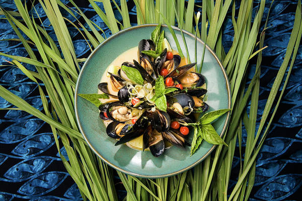 Mussel Wall Art - Photograph - Mussel Dish by Peter Menzel/science Photo Library