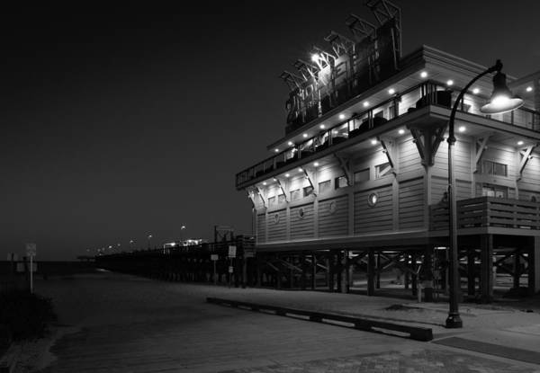 Aves Photograph - Myrtle Beach 2nd Ave Pier At Night by Ivo Kerssemakers