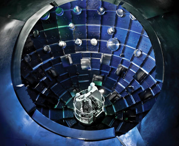 Facilities Photograph - National Ignition Facility Fusion Device by Lawrence Livermore National Laboratory/us Department Of Energy/science Photo Library
