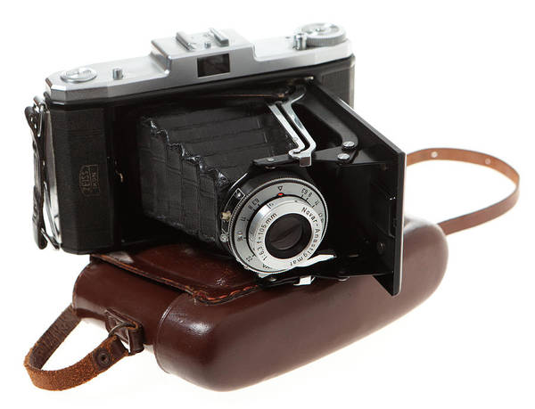 Photograph - Nettar 518 Folding Camera by Paul Cowan