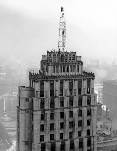 Roanoke Wall Art - Photograph - New Chicago Beacon by Underwood Archives