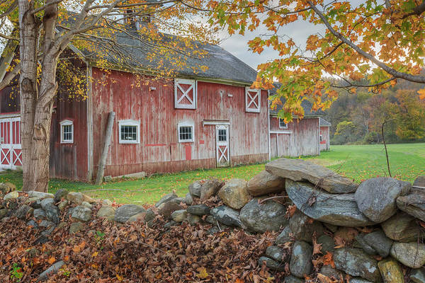 Photograph - New England Barn by Bill Wakeley