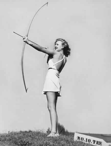 Archery Photograph - New Fad Archery Golf by Underwood Archives