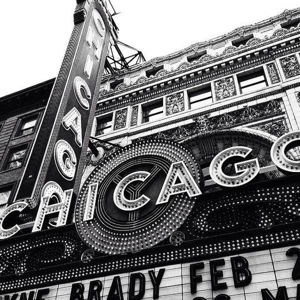 Landmark Wall Art - Photograph - Chicago Theatre Sign Black And White Photo by Paul Velgos