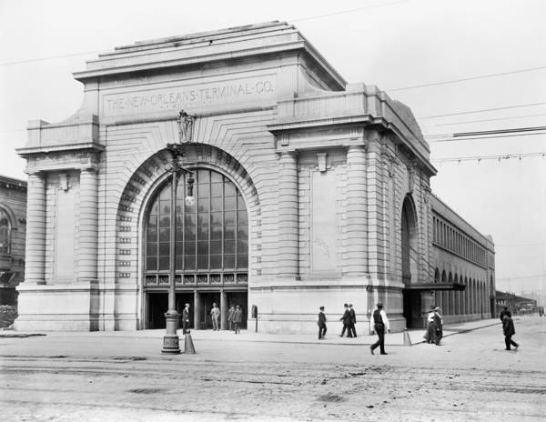 Wall Art - Photograph - New Orleans Station, C1910 by Granger