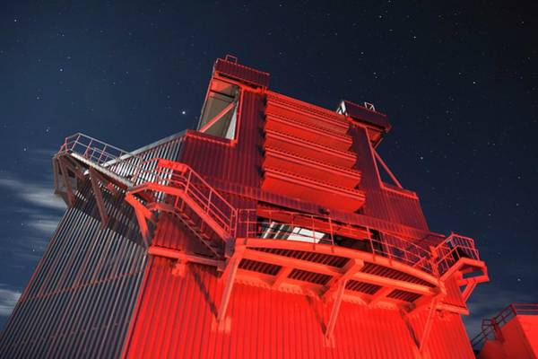 Optics Photograph - New Technology Telescope by T. Marchiori/european Southern Observatory/science Photo Library
