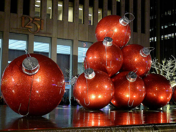 Photograph - New York City Baubles 2 by Richard Reeve