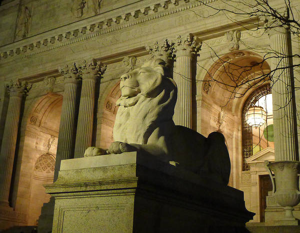 Photograph - New York City Lion by Richard Reeve