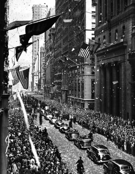 Photograph - New York Ticker Tape Parade by Andrew Fare