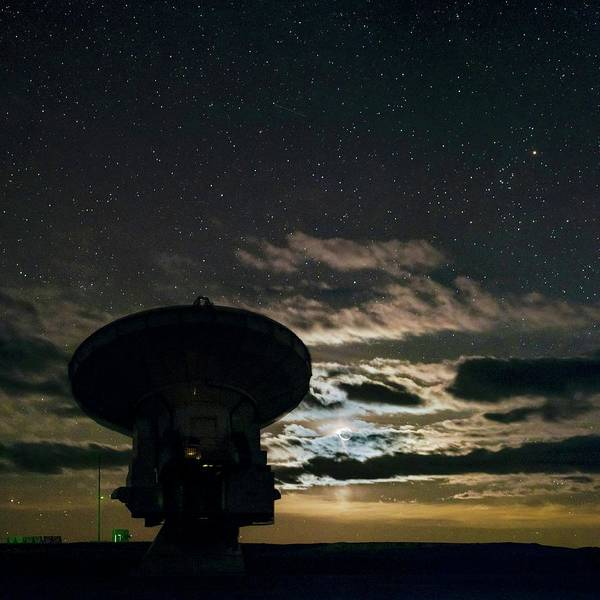 Wall Art - Photograph - Night Sky Over Alma Telescope by Babak Tafreshi/science Photo Library