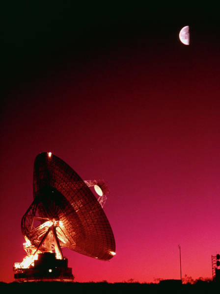 Satellite Dish Photograph - Night Time View Of The Goldstone 70-metre Antenna by Peter Menzel/science Photo Library