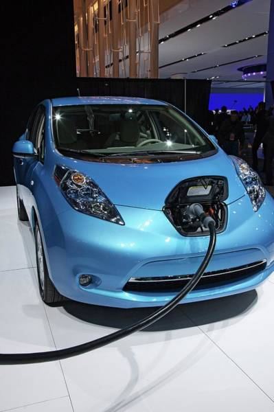 Single Leaf Wall Art - Photograph - Nissan Leaf Electric Car by Jim West