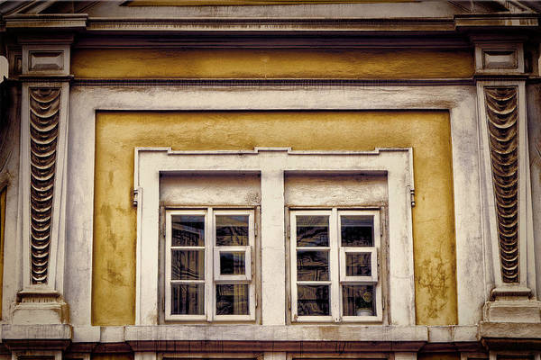 Photograph - Nitty Gritty Window by Joan Carroll