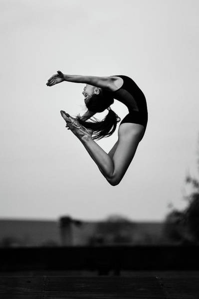 Acrobat Wall Art - Photograph - No Limits by