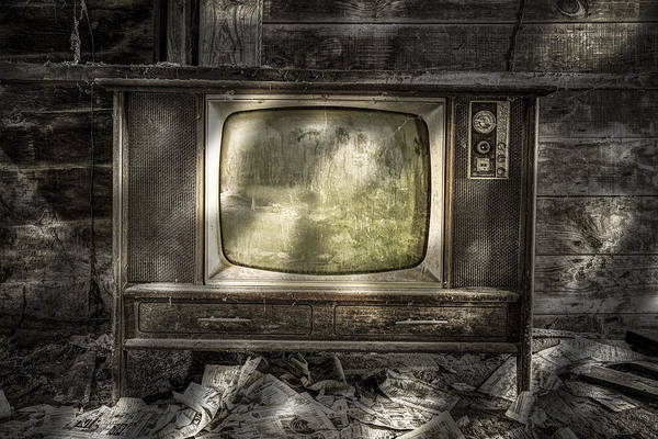 Photograph - No One's Watching - Vintage Television In An Old Barn by Gary Heller