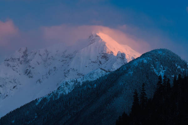 Mount Redoubt Photograph - Nodoubt Peak On Mount Redoubt Snowy Alpenglow by Michael Russell