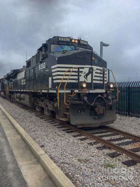 Photograph - Norfolk Southern 9392 by Dale Powell