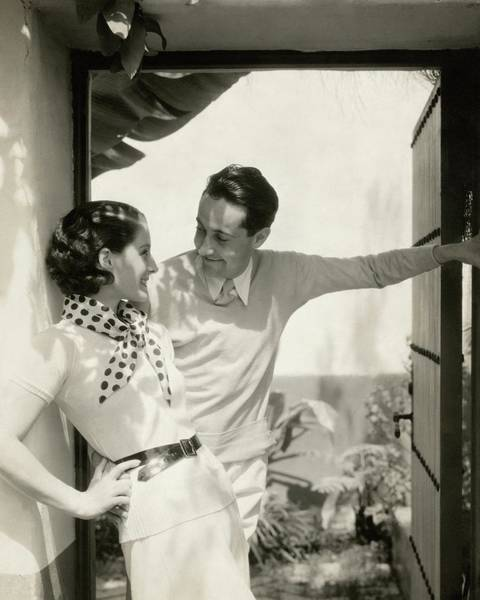 Houses Photograph - Norma Shearer And Irving Thalberg In A Garden by Edward Steichen
