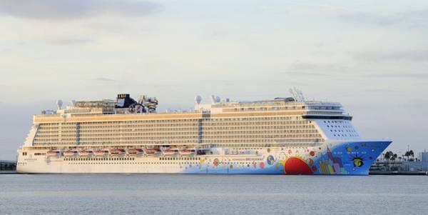 Photograph - Norwegian Breakaway by Bradford Martin