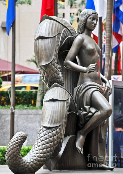 Photograph - Nyc - Manhattan - Rockefeller Center - First Human Maiden Made F by Carlos Alkmin
