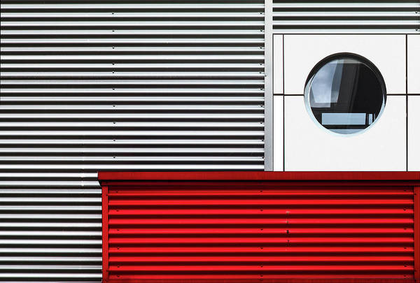 Wall Art - Photograph - O & Lines. by Harry Verschelden