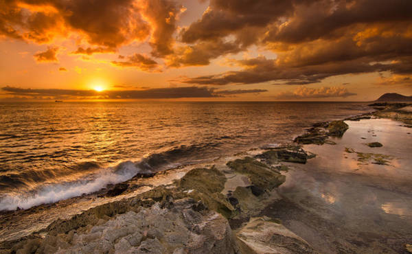 Wall Art - Photograph - Ocean And Sunset by Tin Lung Chao