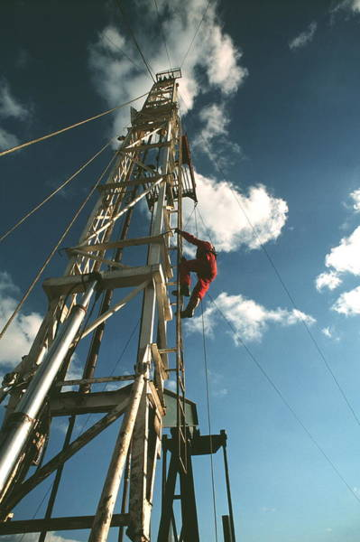 Drilling Rig Photograph - Oil Drilling Rig by Chris Knapton/science Photo Library