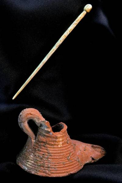 Oil Lamp Photograph - Oil Lamp And Pin by Patrick Landmann/science Photo Library