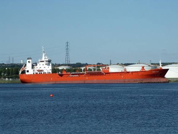 Logistics Photograph - Oil Tanker by Alex Bartel