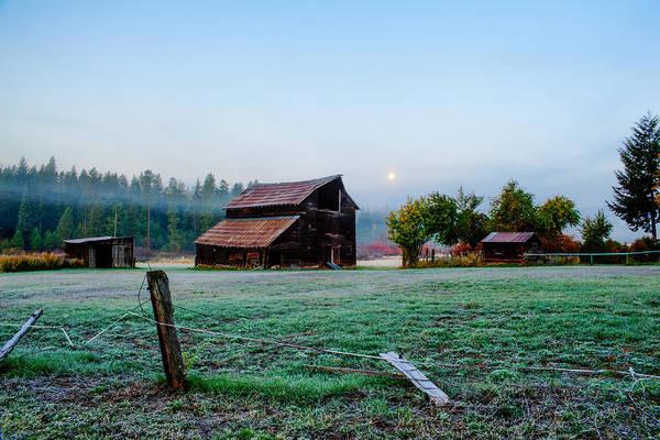 Kittitas County Wall Art - Photograph - Old Barn - Ronald - Washington - October 2013 by Steve G Bisig