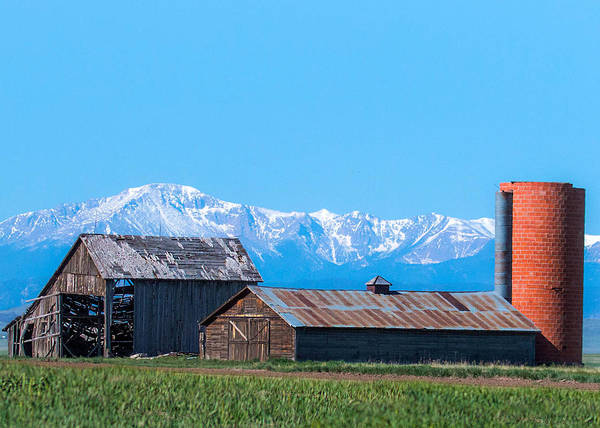 Photograph - Old Barn And Pikes Peak by Dawn Key