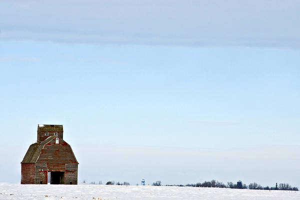 Wall Art - Photograph - Old Barn In Iowa by James Steinberg