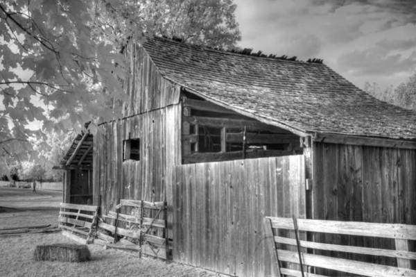 Linder Wall Art - Photograph - Old Barn by Jane Linders