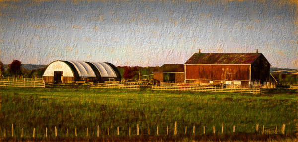 Photograph - Old Barn by Les Palenik