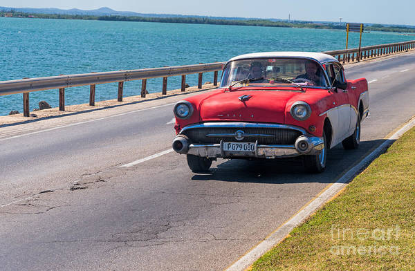 Photograph - Old Buick by Les Palenik