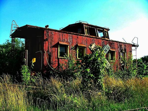 Red Caboose Photograph - Old Caboose by Julie Dant
