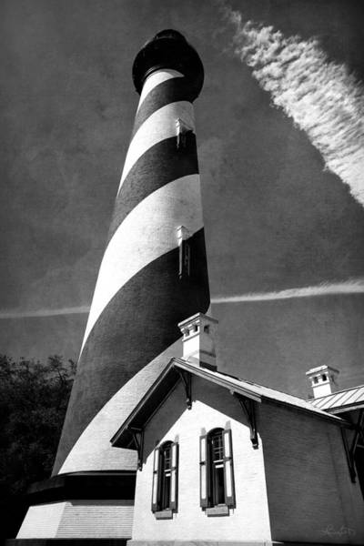 Photograph - Old City Lighthouse by Renee Sullivan