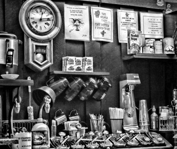 Photograph - Old-fashioned Diner In New Hampshire by Nancy De Flon