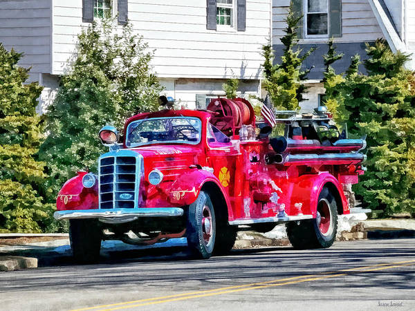 Photograph - Old Fashioned Fire Truck by Susan Savad