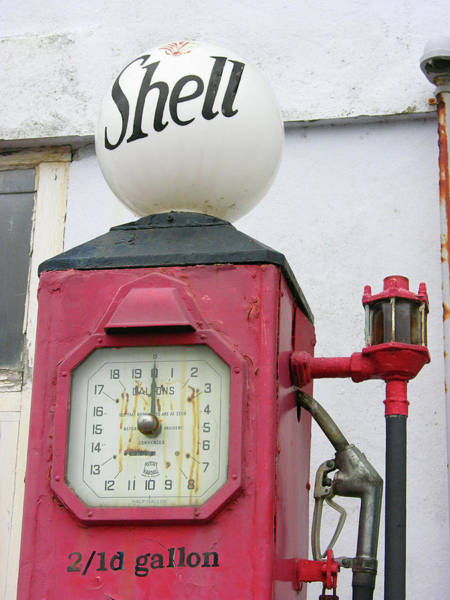 Pump Photograph - Old Fashioned Fuel Pump by Tony Craddock/science Photo Library