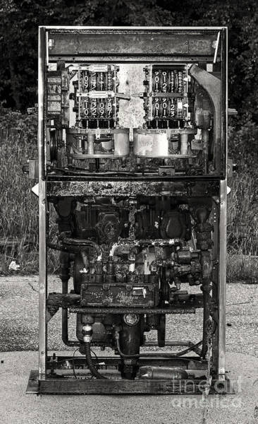 Photograph - Old Fuel Pump In B W by Les Palenik