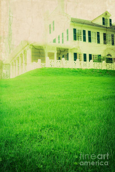 Green Lawn Wall Art - Photograph - Old House On The Hill by Edward Fielding