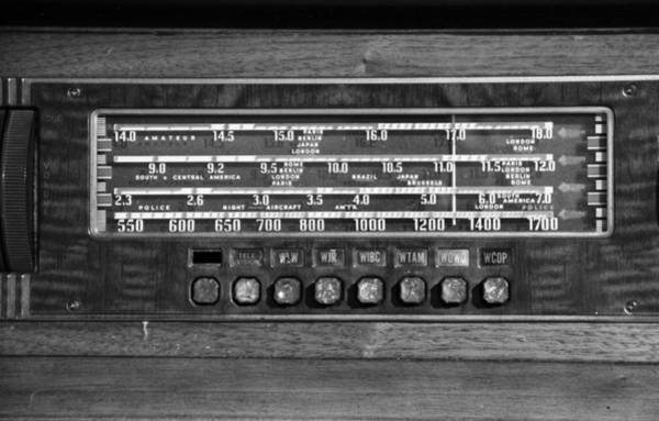 Wall Art - Photograph - Old Radio Change The Station by Dan Sproul