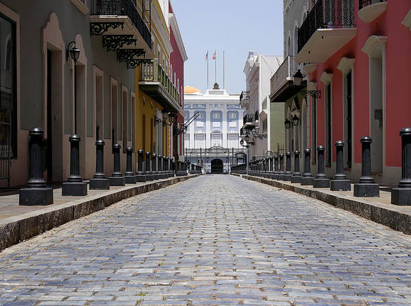 Photograph - Old San Juan - Calle Fortaleza by Richard Reeve