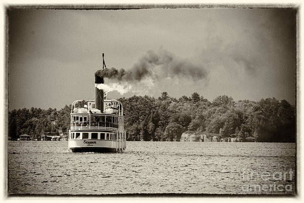 Photograph - Old Steamboat by Les Palenik