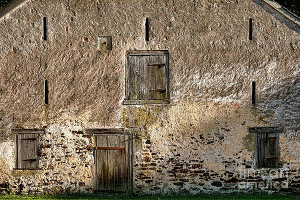 Stucco Wall Art - Photograph - Old Stone Barn by Olivier Le Queinec