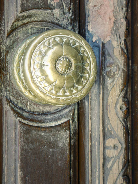 Montevideo Wall Art - Photograph - Old Vintage Door Knob by Julie Palencia